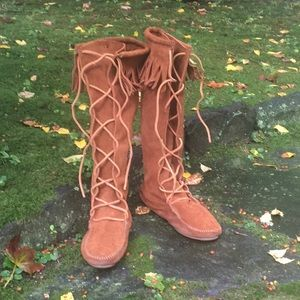 Minnetonka suede lace up fringed boots